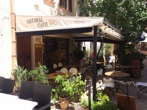 Natural Cafe 1